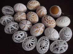 Promotions Správa Crochet Stone, Wire Crochet, Thread Crochet, Crochet Motif, Crochet Flowers, Crochet Letters, Fabric Yarn, Easter Crochet, Egg Art