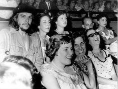 İNSAN: ERNESTO CHE GUEVARA (orjinal fotograflariyla 1. resim albümü ) Ernesto Che Guevara, Storytelling, Revolution, Hero, Couple Photos, Couples, Face, Llamas, Cuba