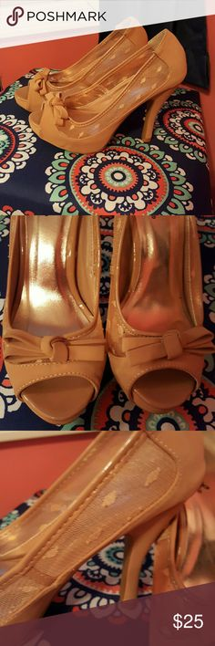 Tan heels! Beautiful tan heels! Bought off here but they don't fit me. Open to offers! Shoes Heels