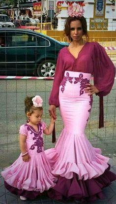Iguales#trajesdeflamenca#ferias#romerias Flamenco Costume, Belly Dance Costumes, Spanish Dress, Spanish Dancer, Dance Dresses, Girls Dresses, Mommy Daughter Dresses, Cowgirl Style Outfits, Dress Neck Designs