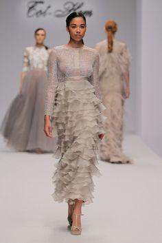 Tot-hom_PV17_AC_65 Black Tie Affair, Fashion Forever, Resort Wear, Elie Saab, Beautiful Dresses, Ruffles, Sequin Skirt, Glamour, Bride