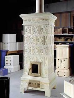 wood-burning stove by Ceramiche Castellamonte | Xyzoflife's Blog