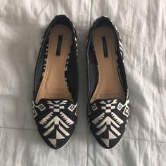 Patterned flats Only worn a few times! Shoes Flats & Loafers