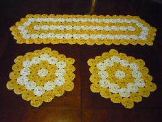 Yo Yo Table Runner & 2 Doilies Set,dresser Scarf,candy Mat,fabric Quilt