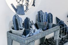 Installation made of denim by Ian Berry - Elle Decor ItaliaA look inside The Secret Garden by Ian Berry - Children's Museum of the Arts New YorkLifestyle: nuovi stili di vita, contaminazioni e ricerca del bello - Elle Decorfrom now until april visito Fabric Yarn, Fabric Crafts, Ian Berry, Cactus Craft, Felt Pillow, Denim Flowers, Denim Art, Blue Bunny, Baby Sewing Projects