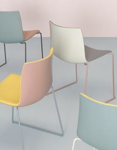 A sleek chair in a range of colors and customizations. #Catifa46 by Lievore Altherr Molina. Photo: Dominik Tarabanski.