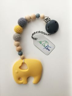 The happy colorful necklace is perfect for teething kids. The elephant consists . Teething Jewelry, Teething Necklace, Teething Toys, Handgemachtes Baby, Baby Toys, Baby Schmuck, Handmade Baby Gifts, Baby Massage, Baby Teethers