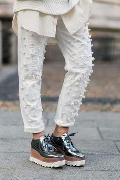 a303eb720c 24 Looks con zapatos  flatforms  para chicas que aman romper con lo  tradicional