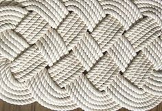 Coastal Inspired Decor and Craft Ideas - DIY Nautical Rope Rug