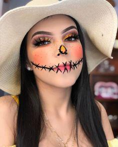 Scarecrow Halloween Makeup, Halloween Makeup For Kids, Amazing Halloween Makeup, Pretty Halloween, Kids Makeup, Makeup Ideas, Scary Scarecrow, Halloween 2020, Cat Face Makeup