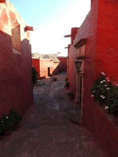 Una de las calles de nombre español del Convento