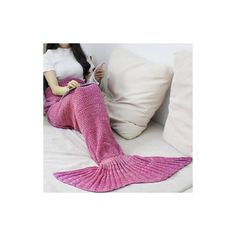 Stylish Mermaid Tail Design Knitted Blanket (630 UAH) ❤ liked on Polyvore featuring home, bed & bath, bedding, blankets, purple, patterned bedding, purple blanket, mermaid blanket, purple bedding and acrylic blanket
