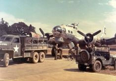 B-17 Flying Fortress and ground crew