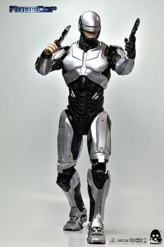 RoboCop 1.0 will be available for pre-order at www.threezerostore.com , starting from October 30th 09:00AM Hong Kong time for 230USD/1780HKD (shipping included in the price). Full info about the figure and threezerostore exclusive can be found here: https://www.facebook.com/media/set/?set=a.985906821435146.1073741893.697107020315129&type=1&l=192595fcc2 #threezero #RoboCop #RoboCop2014 #onesixthscale  #collectible #toy #toys #hobby #collecting #toyphotography #actionfigure #toycollector…
