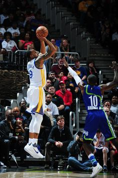 ATLANTA, GA - MARCH 6: Andre Iguodala #9 of the Golden State Warriors shoots the ball against the Atlanta Hawks on March 6, 2017 at Philips Arena in Atlanta, Georgia. (Photo by Scott Cunningham/NBAE via Getty Images)