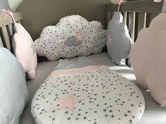 Baby bumper in the shape of grey, pink and white clouds with stars Nursery Room, Girl Nursery, Baby Room, Baby Art, Welcome Baby, Baby Design, Kidsroom, Toddler Crafts, Cool Baby Stuff