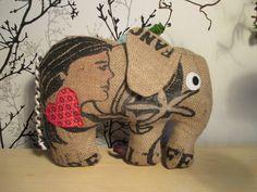 Elefant+aus+einem+Kaffeesack+von+Sabrina´s+Nähstube+auf+DaWanda.com