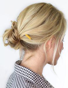 15 Easy Bun Hairstyles to Rock This Summer Easy Bun Hairstyles, Daily Hairstyles, Hairstyles 2018, Hair Color 2018, Hair 2018, Epic Hair, Facial, Rose Hair, Stylish Hair