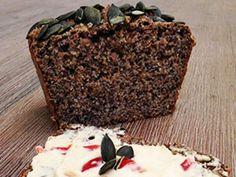 Low-Carb-Diäten sind auf dem Vormarsch und ein Lieblingsprodukt ist das Eiweißbrot. EAT SMARTER zeigt wie Sie das kohlenhydratarme Brot selber machen können!