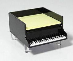 Piano keyboard memo pad holder