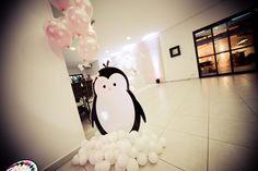 Estou muito feliz pois o blog completou hoje 300 mil acessos e para comemorar estou postando as fotos da Festa do Pinguim da Isadora. ...
