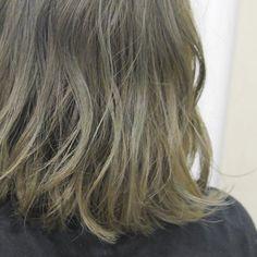 オリーブ❤️#hairstyle#haircolor#color#hairstylist#hair#hairfashion#ヘア#ヘアスタイル#カラー#デザインカラー#ハイライト#アッシュ#ブルージュ#グレージュ#ホワイトブラウン#ホワイトグレージュ# #hair #color#suburbia_color#色素薄め#表参道#青山#美容室#髪#外国人風#ブリーチ#ハーフブリーチ#グラデーション#グレーアッシュ