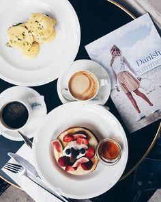 Późne śniadanie z ekipą @eccoshoes  #pancakes #breakfast #palmier #eggs #warsaw  via ELLE POLAND MAGAZINE OFFICIAL INSTAGRAM - Fashion Campaigns  Haute Couture  Advertising  Editorial Photography  Magazine Cover Designs  Supermodels  Runway Models