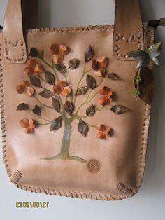 IMG_0067 | Flickr - Photo Sharing!  Bolso en cuero natural costura artesanal pirogradabo y pintado a mano flores y hojas en cuero. $ 135.000 contacto 3007191348 Colombia