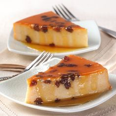 Vanilla Flan, Caramel Flan, Chocolate and more. Our collection of Flan Recipes featuring your favorite Nestlé brands are easy and delicious! Mexican Food Recipes, Dessert Recipes, Round Cake Pans, Pudding Recipes, Just Desserts, Baked Goods, Sweet Treats, Cheesecake, Cooking Recipes