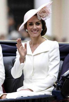 Kuninkaallisten suosikki: Catherine ja Madeleine samassa asussa