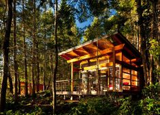 These Gulf Island retreats were created by the Vancouver-based architecture firm Osburn& They were commissioned to design four guest cabins, each wi Cabin Design, House Design, Tiny House, Summer Cabins, Off Grid Cabin, Guest Cabin, Shed Roof, Vernacular Architecture, Little Cabin