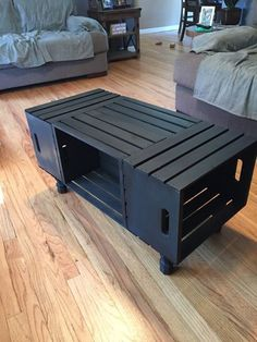 Wine Crate Coffee Table Rectangle by KPDesignsStudio on Etsy - Trend Home Home Diy, Crate Furniture, Cool Coffee Tables, Living Table, Coffee Table Rectangle, Diy Furniture, Home Furniture, Wine Crate Coffee Table, Home Decor