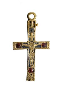 Front of a gold pendant crucifix: 15th century
