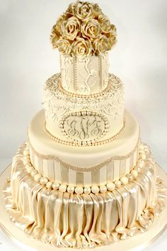 http://www.theringbearer.ca/images/article/_ca/cakeboss_modern_w74_webready_a(1).jpg Very opulent.