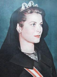 Principessa Grace di Monaco in visita ufficiale in Vaticano per un'udienza con  Papa Pio XII  (1957)