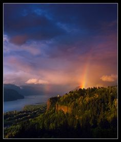 Crown Point - Columbia River Gorge, Oregon.
