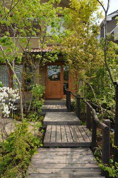 雑木の庭つくり日記@高田造園設計事務所 Japanese Architecture, Landscape Architecture, Landscape Design, Garden Design, Diy Exterior, Modern Exterior, Exterior Design, Narrow Garden, Meditation Garden