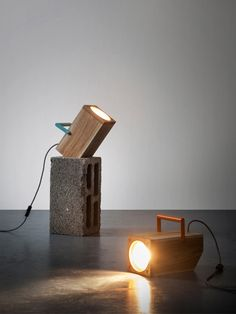 TOM: A Table Lamp Inspired by a Torch Photo