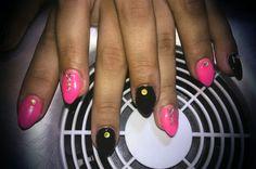 pink black Pink Black, My Nails, Headphones, Headpieces, Ear Phones