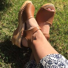 Here's another beautiful clog sandal from Troentorp. The Greta Clog Sandal in Napa Tan.   https://superiorclogs.com/product-category/spring-selection/