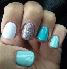 Tiffany blue vacation nails