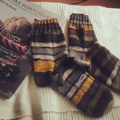 I did it! With a huge help of this book!  #kammeborniasocks16#socks#retrosariarosapomar#malha#meias#handmadesocks#pleasures #MalhasPortuguesas