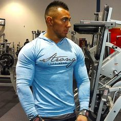 @strongliftwear Gym Wear designed for Lifters. The shape, cut, and materials have all been carefully selected to ensure not only the perfect fit but also performance during training  @eddyung_ featured in the blue freeflex longsleeve  Available now internationally at www.strongliftwear.com  www.strongliftwear.com - Gym Wear for Lifters.   #fitness #gym #bodybuilding www.strongliftwear.com