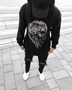 "769 mentions J'aime, 18 commentaires - Michael Berglund (@maiknila) sur Instagram : ""through the never #ootd #yeezy"""
