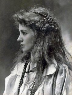 These beautiful women were well before the movie era. Vintage everyday: Stunning Portraits of 40 Beautiful Women from the Belle Époque Antique Photos, Vintage Pictures, Vintage Photographs, Vintage Images, Old Photos, Vintage Postcards, Vintage Photos Women, Timeless Beauty, Classic Beauty