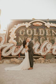 Neon Museum Las Vegas micro wedding - 100 Layer Cake from { { FeedTitle} }{ { EntryUrl} } Lake Las Vegas, Las Vegas Photographers, Neon Museum, Las Vegas Photos, Museum Wedding, Las Vegas Weddings, Wedding Pictures, Wedding Attire, Boho Wedding