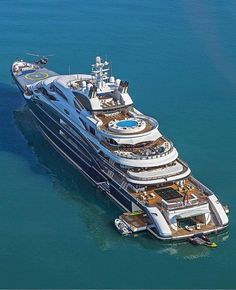 Yacht Design, Boat Design, Cool Boats, Used Boats, Small Boats, Sports Nautiques, Private Yacht, Yacht Boat, Jet Ski
