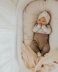 Baby clothes should be selected according to what? How to wash baby clothes? What should be considered when choosing baby clothes in shopping? Baby clothes should be selected according to … My Baby Girl, Lil Baby, Little Babies, Cute Babies, Twin Baby Boys, Newborn Essentials, Cute Baby Pictures, Beautiful Pictures, Baby Family