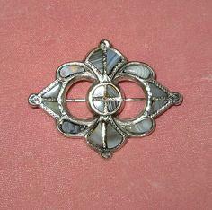 Scottish Silver Pebble Pin with Bluish-Gray Agates