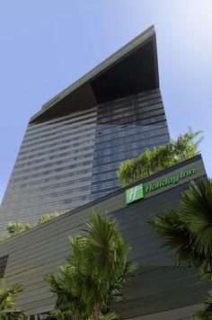 Holiday Inn Bangkok Sukhumvit 22 - Hotel Facade (Day time)